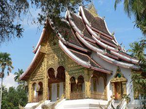 800px-Buddhist_temple_at_Royal_Palace_in_Luang_Prabang