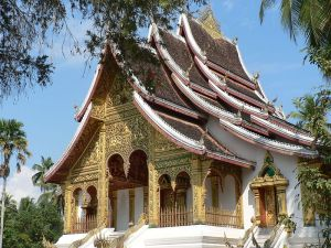 800px-Buddhist_temple_at_Royal_Palace_in_Luang_Prabang